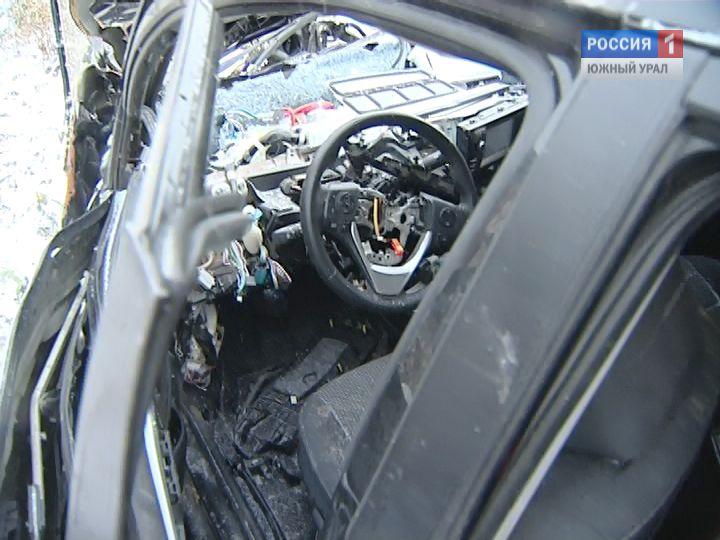 ВУсть-Катаве шофёр иномарки врезался встолб и умер