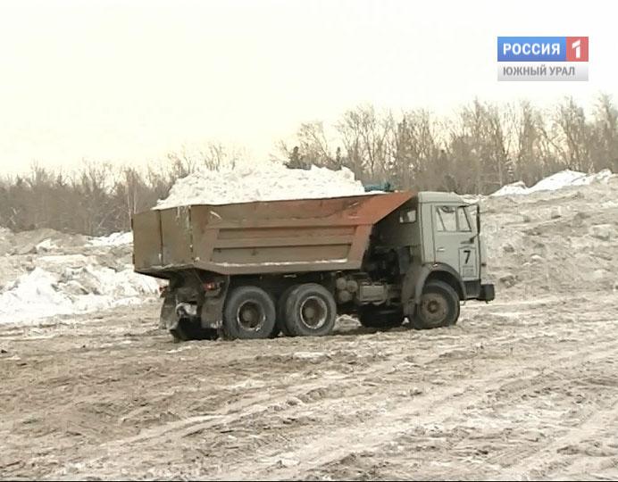 ВЧелябинске груженный снегом КамАЗ задавил пешехода