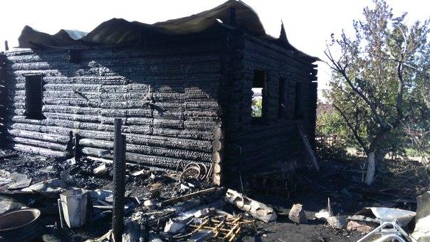 Оставшаяся без дома семья погорельцев получит 100 тысяч руб. порешению губернатора