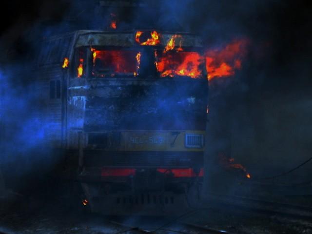 Электровоз зажегся наКомсомольской площади вМагнитогорске