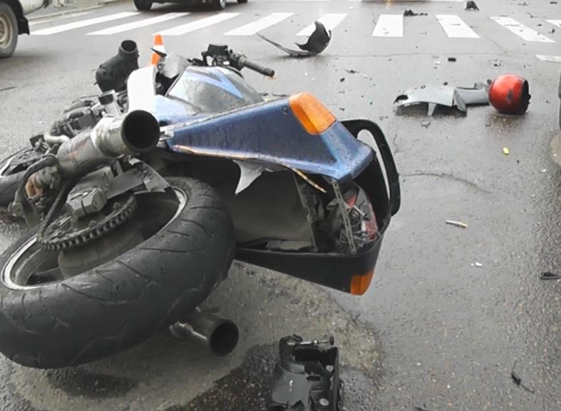 Мотоциклист умер встолкновении сГАЗелью
