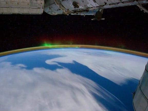 Роскосмос страдает отдефицита космонавтов