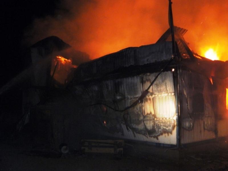Гражданин Магнитогорска принял решение погреть машину электроплиткой испалил дом