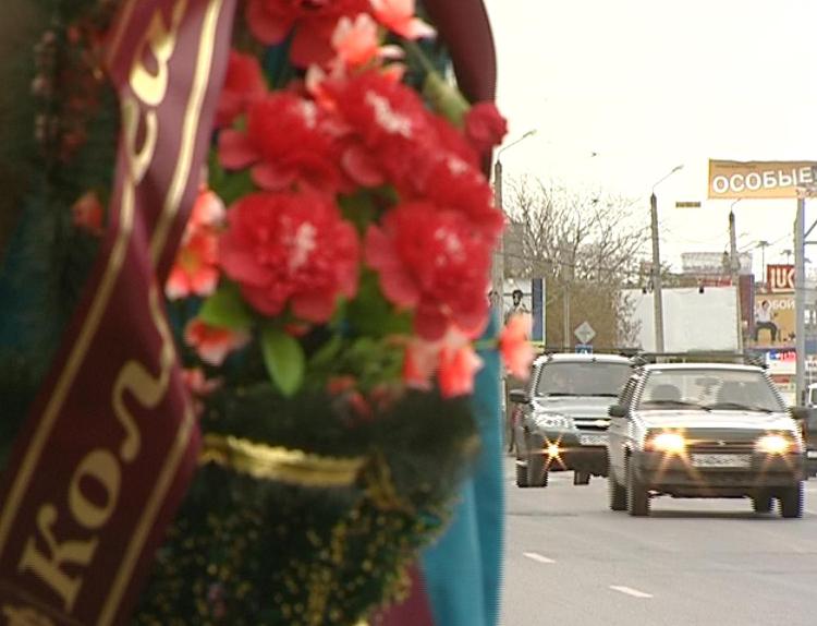 Фельдшера Лизу, пострадавшую всмертельном ДТП со«скорой», прооперировали