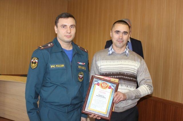 ВЧелябинской области полицейский вынес изпожара инвалида ипредотвратил взрыв