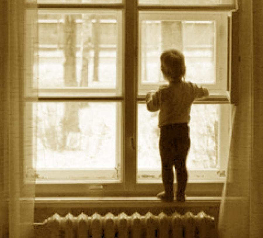 В Российской Федерации неменее чем вдвое уменьшилось число детей-сирот