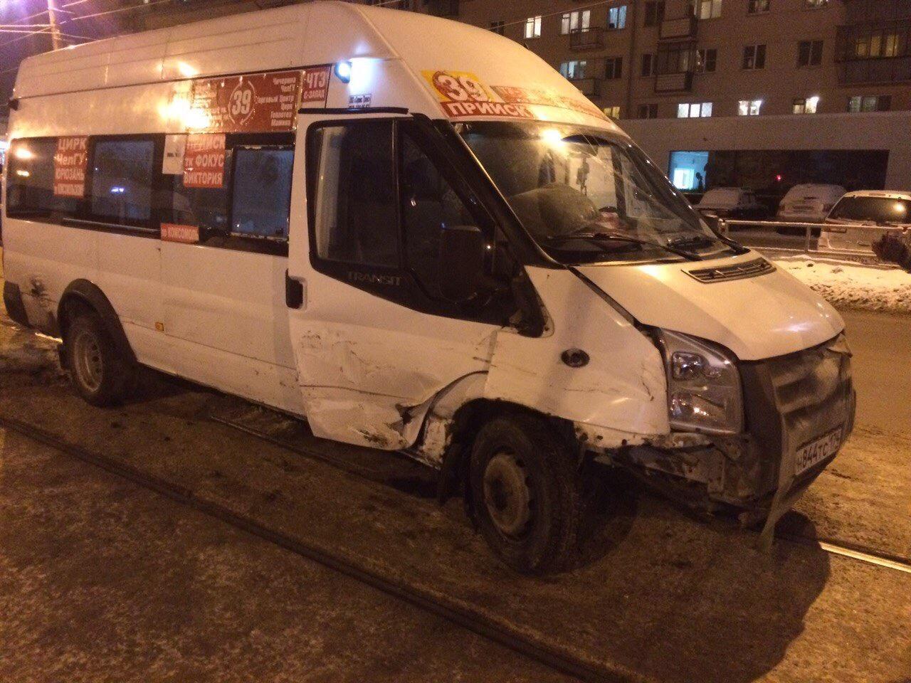 Столкнулись 2 трамвая— шофёр в клинике