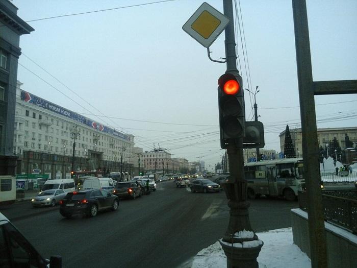 Двое детей идевушка пострадали вДТП вцентре Челябинска