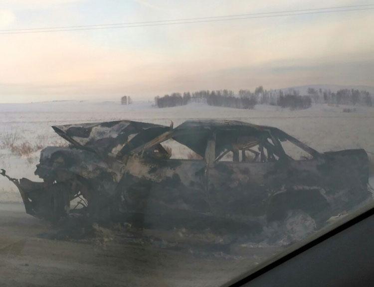 Шофёр сгорел вавтомобиле после ДТП вЧелябинской области
