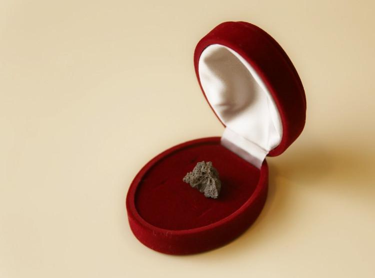 Гостям выставки подарят осколки метеорита изозера Чебаркуль