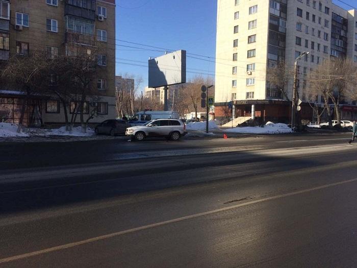 ВЧелябинске на«зебре» иностранная машина сбила девочку-подростка