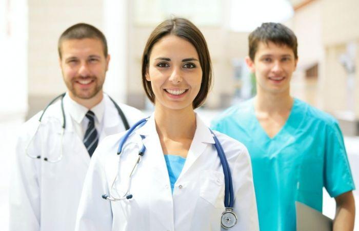 Средняя заработная плата ивостребованность: что срынком труда для докторов Челябинской области?