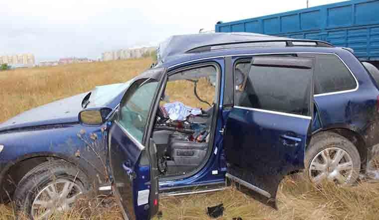 Шансов небыло. шофёр  VW  Touareg умер  встолкновении с фургоном