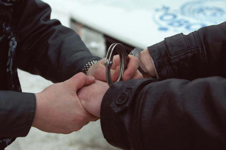 20-летний рецидивист сножом набросился наполицейского вЧелябинске