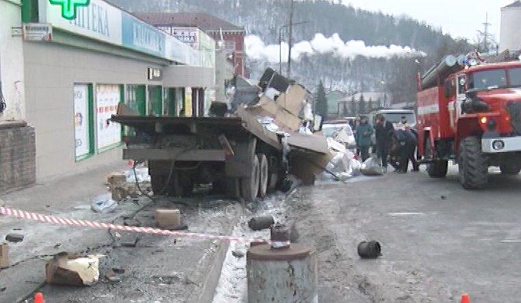 Подобные аварии в городе со сложным ландшафтом происходят регулярно