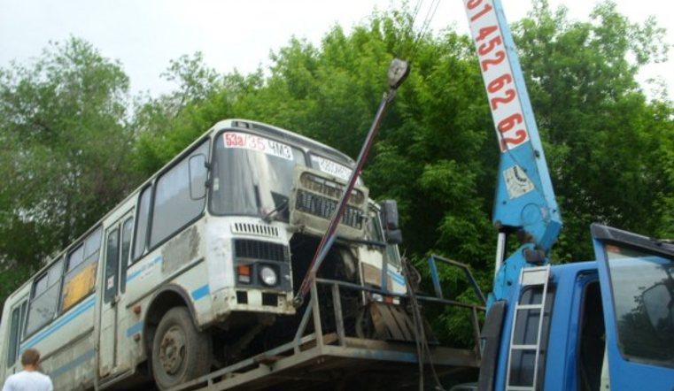 ВЧелябинске нелегальные маршрутки будет увозить эвакуатор-гигант