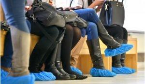 Четвертую областную больницу привлекли к суда за бахилы