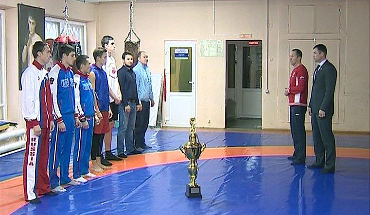 На ринге в Будапеште представители сборной Челябинской области завоевали полный комплект наград
