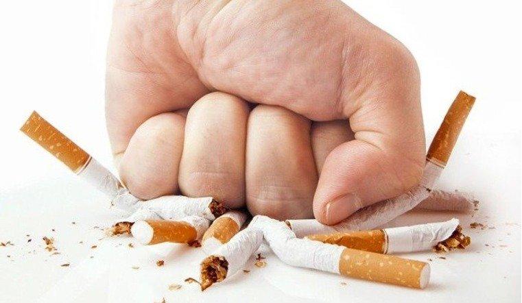 Медики предупреждают об опасности курения