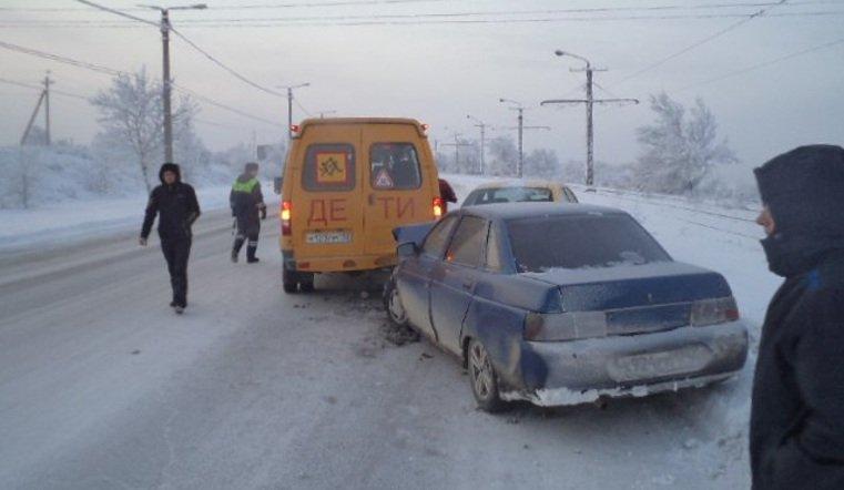 ВМагнитогорске ученический автобус, принадлежащий детскому дому, попал в трагедию