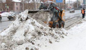 С улиц Челябинска вывозят снег