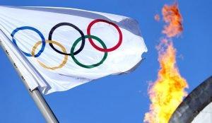 Стоит ли участвовать спортсменам в соревнованиях под нейтральным флагом?