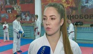 Каратистка Елизавета провела три поединка, одолев соперниц из Москвы, Новосибирска и Уфы