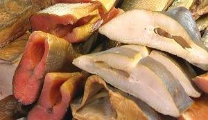 На новогодний стол тунца советуют подавать с картошкой, грибами и зеленью