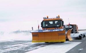снегоуборочная техника аэропорта