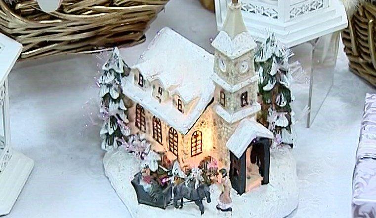 """Подарки близким южноуральцы могут присмотреть на выставке """"Накануне Рождества"""""""