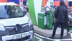 До 80-ти процентов аккумулятор электромобиля можно зарядить всего за 15 минут