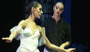 В балетных сценах актрису дублирует солистка оперного