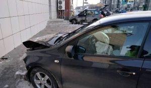 Двухлетний ребенок попал в аварию в Челябинске