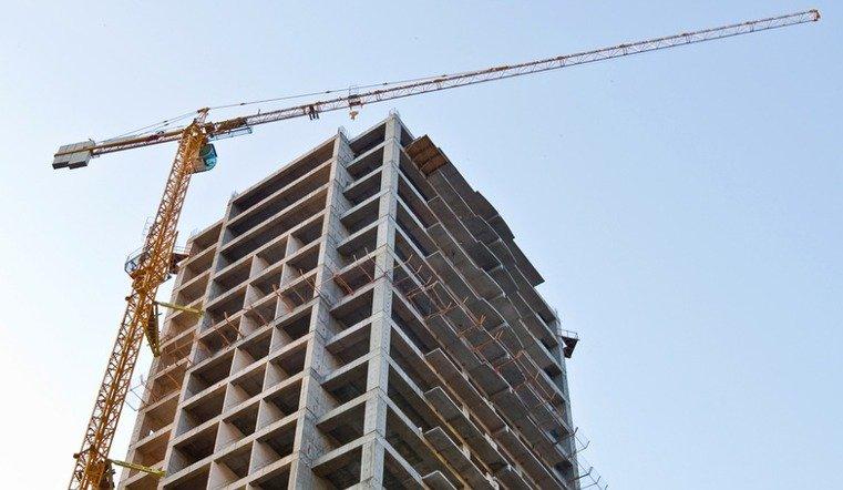 В Челябинске строитель упал с 14 этажа