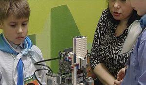 Свои таланты в роботостроении показывают более 500 участников со всего региона