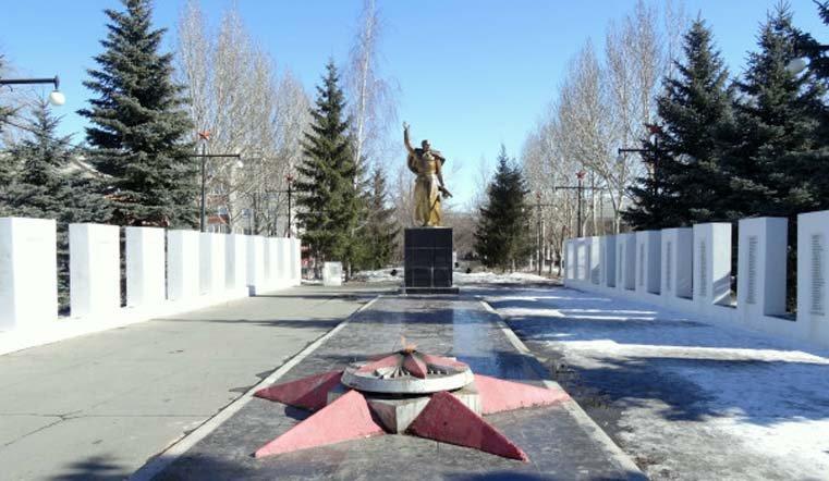 Хулиганы снегом закидали в Коркино вечный огонь
