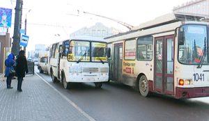 Новые правила высадки пассажиров на площади Революции