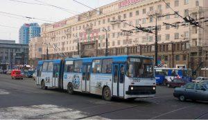 В Челябинске на площади Революции перенесли остановку троллейбусов