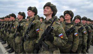 Россияне отмечают День защитника Отечества