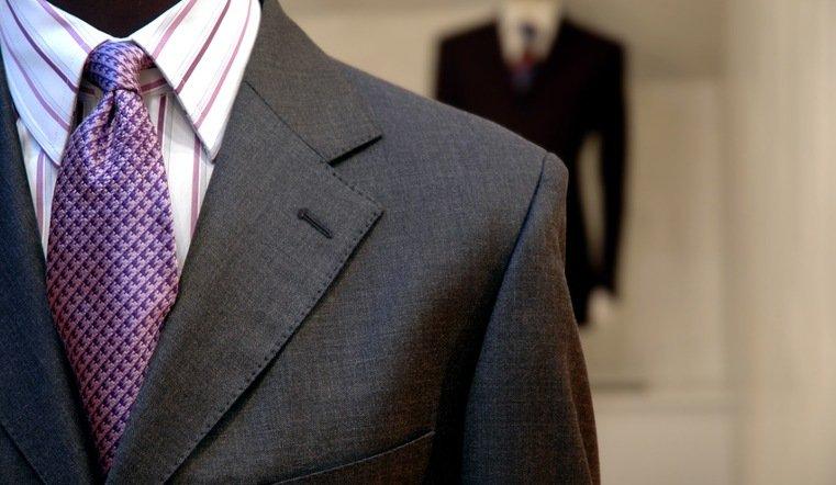 Каждый третий костюм в России сшит из некачественных материалов