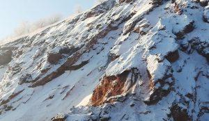 В Копейске с 70-метрового отвала заброшенной шахты сняли мужчину