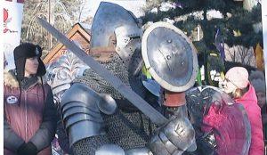 В центре внимания – рыцари в сияющих доспехах