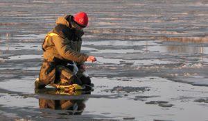 В МЧС предупредили об опасности весеннего льда
