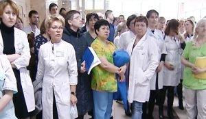 Врачи ГКБ №6 против увольнения главврача