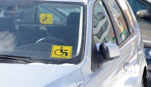 """Минтруд хочет запретить продажу знака """"инвалид"""""""