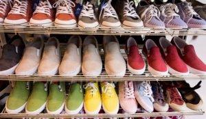 Стало известно, какая обувь пользуется большим спросом у челябинцев