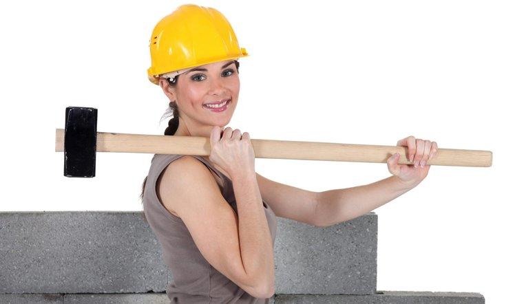 Минтруд решил расширить список профессий, где заняты женщины