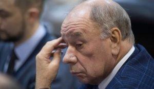Михаил Буренков ушел в отставку