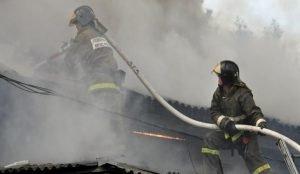 В Усть-Катаве спасли от огня двоих детей