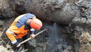Коммунальная авария в центре Челябинска оставила без воды 26 домов